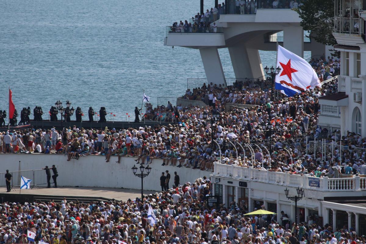 Против чиновника РФ возбудили дело – подстрекал военных в Крыму к переходу на сторону России