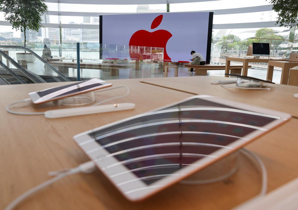 В Apple признали, что iPhone 12 может быть опасен для здоровья: кто в зоне риска