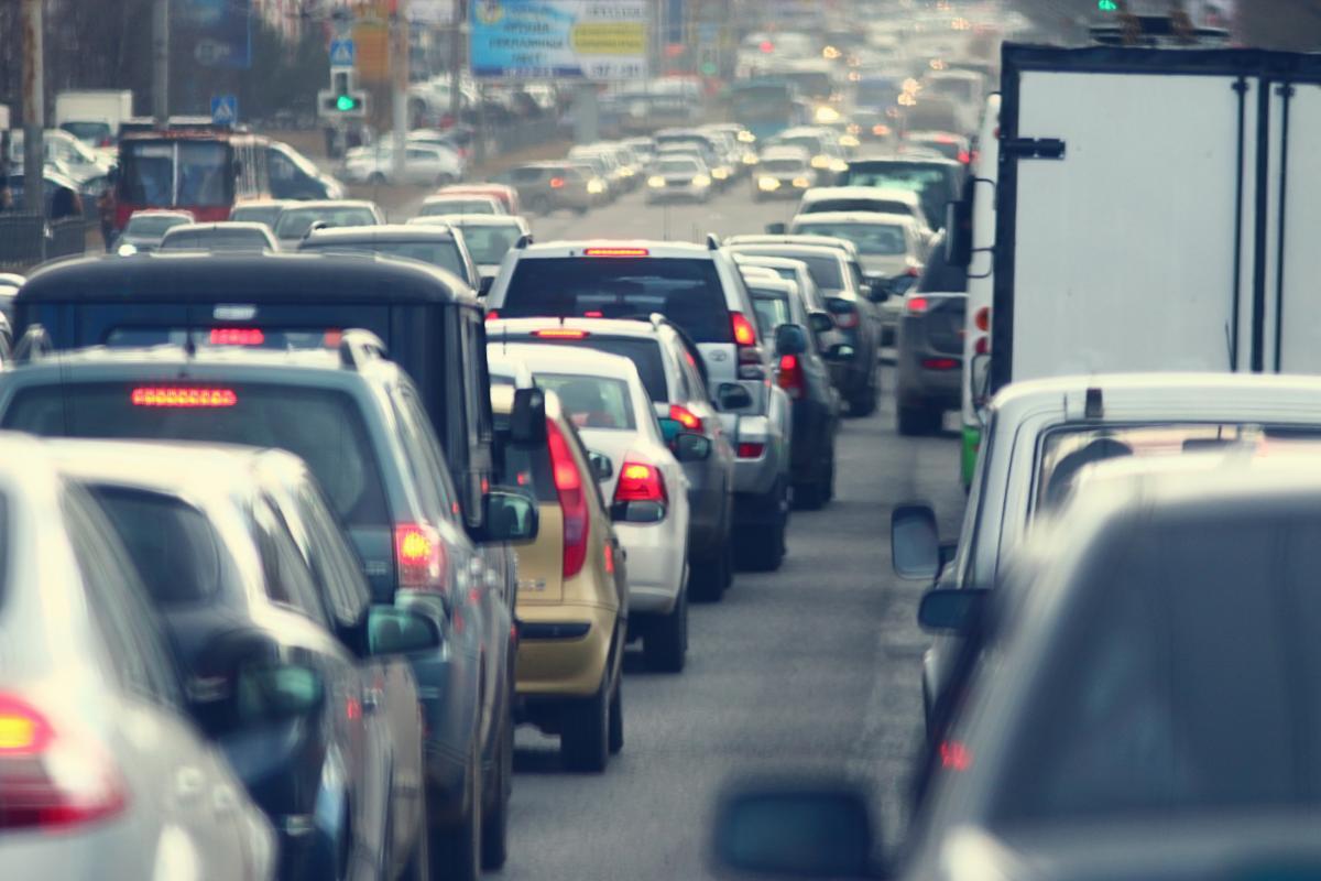 В среду утром улицы Киева сковали пробки: какая сегодня ситуация на дорогах