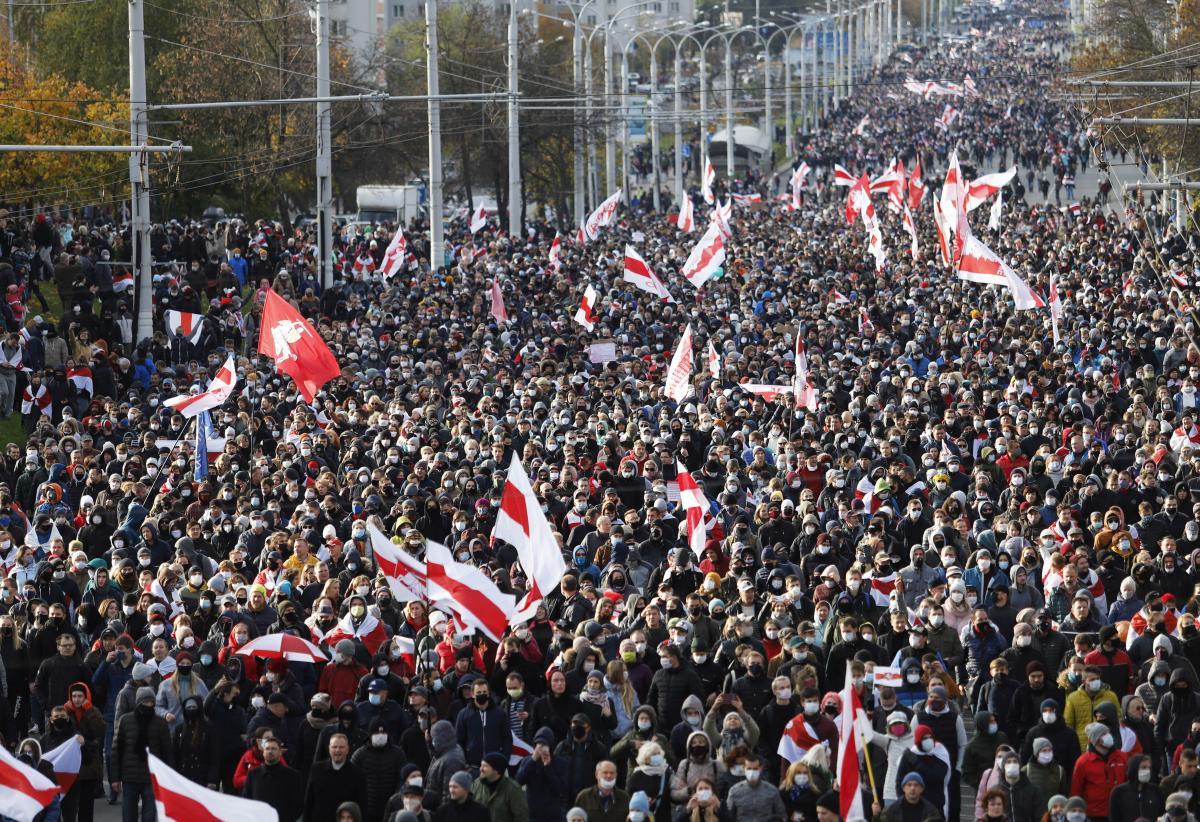 Меркель призвала власти Беларуси прекратить репрессии и освободить политзаключенных