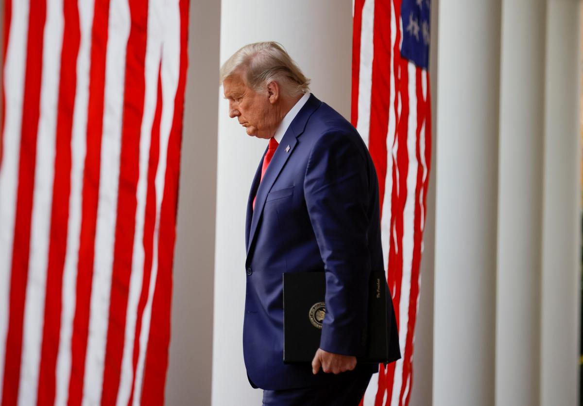 Трамп расстроился баном в Twitter больше, чем поражением на выборах – племянница экс-президента США
