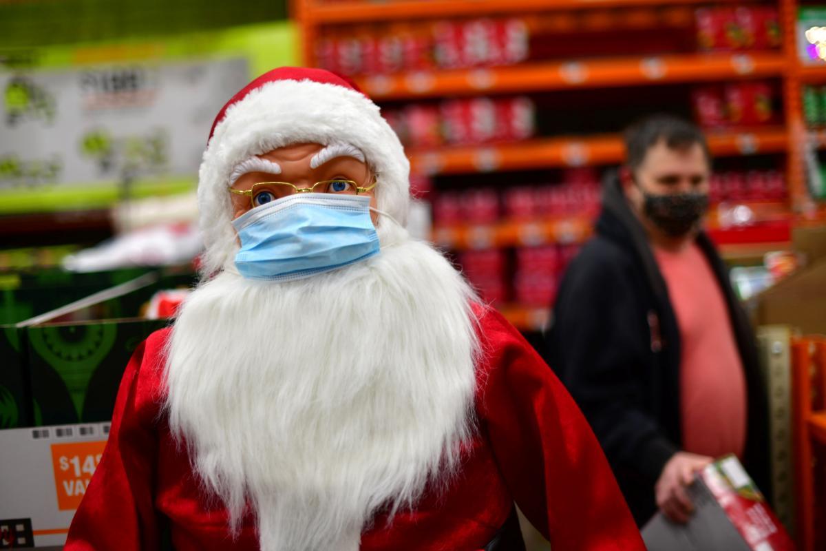 Глава ВОЗ дал советы, как безопасно встретить новогодние и рождественские праздники