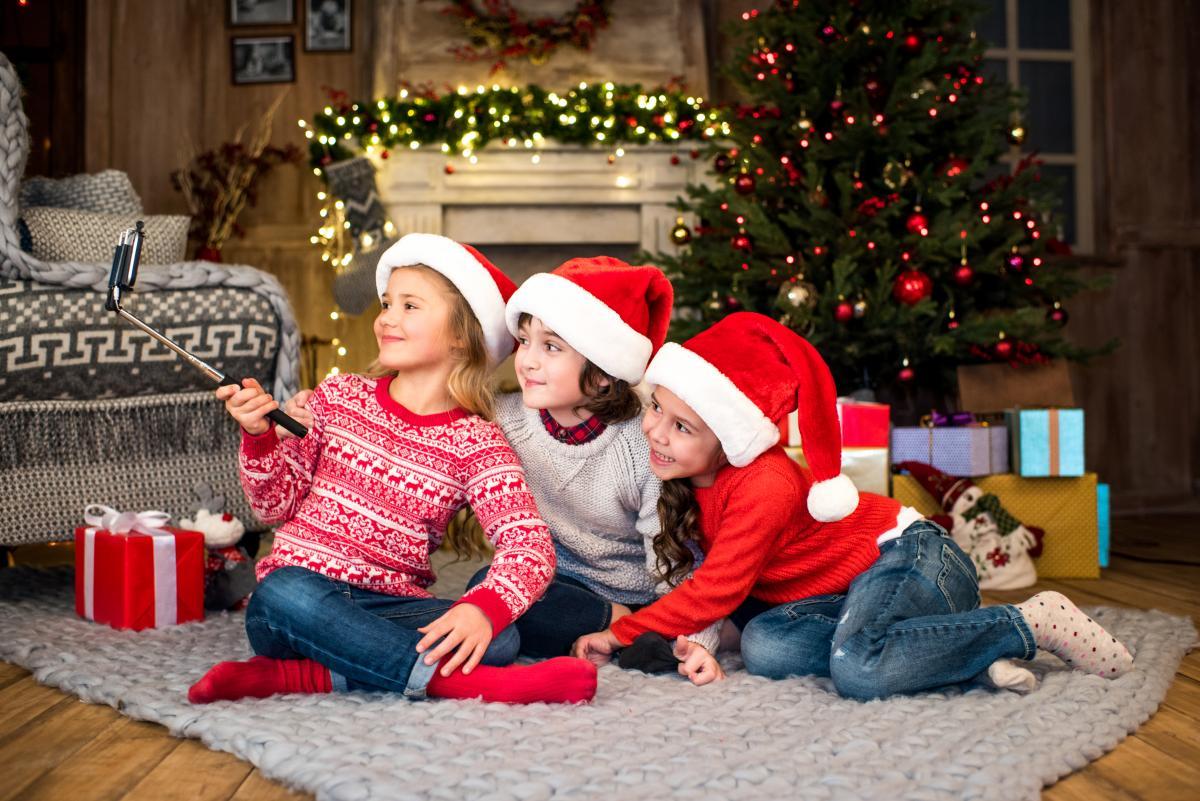 Подарки детям на Новый год: идеи сюрпризов под елку для мальчиков и девочек