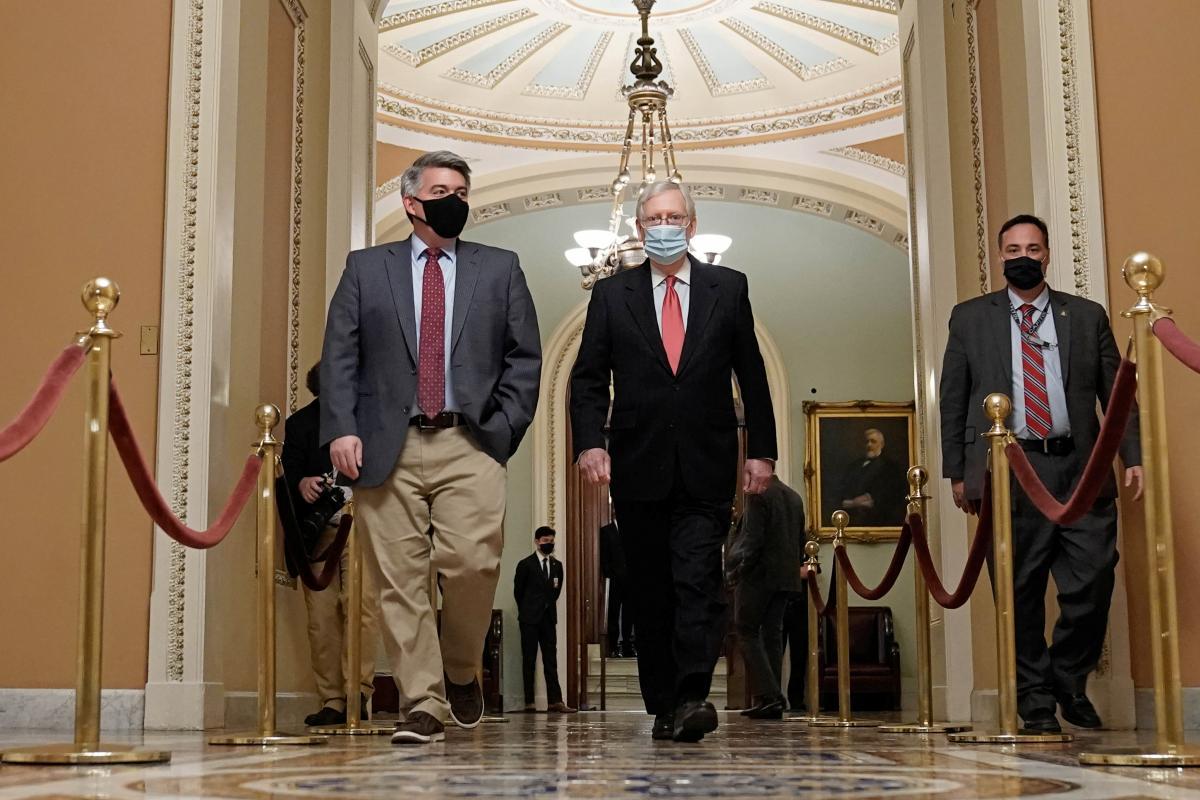 Конгресс США одобрил $900 миллиардов помощи для пострадавших от коронакризиса
