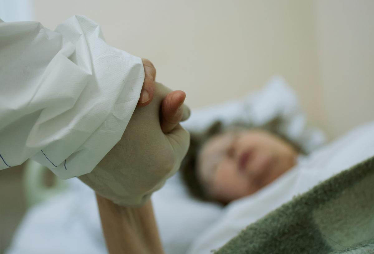 За сутки от коронавируса в Украине умерли более 80 человек