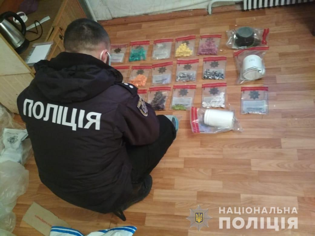 В Николаеве хозяйка квартиры нашла у квартиранта наркотики на четверть миллиона гривень