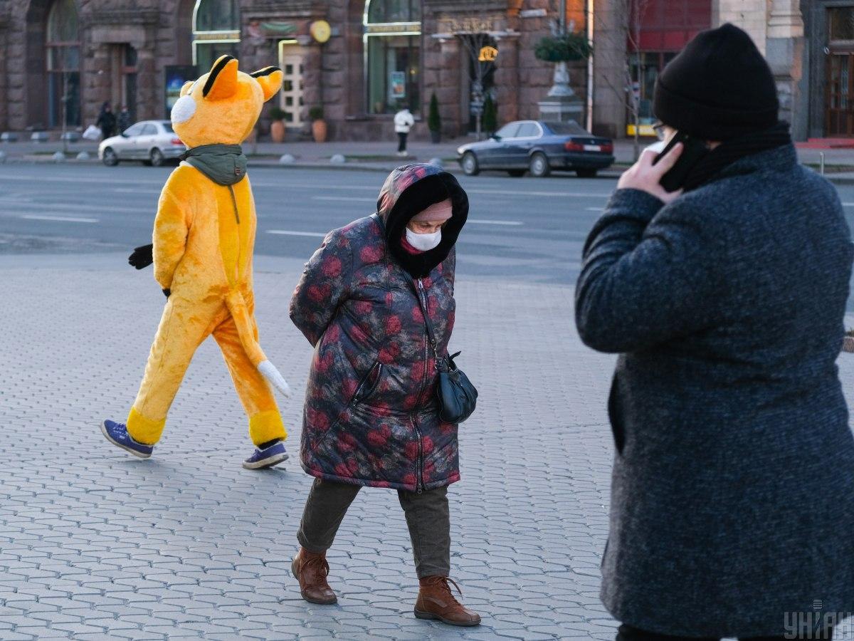 В Киеве за минувшие сутки коронавирус обнаружили у 885 человек, 16 – умерли