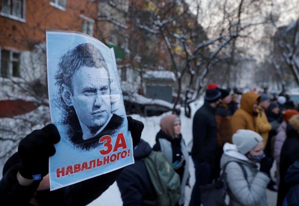 В Евросоюзе, ООН и НАТО призвали Россию немедленно освободить Навального