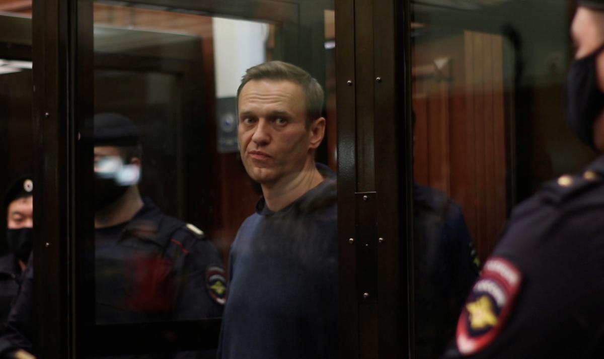 Навального этапировали из московского СИЗО в колонию