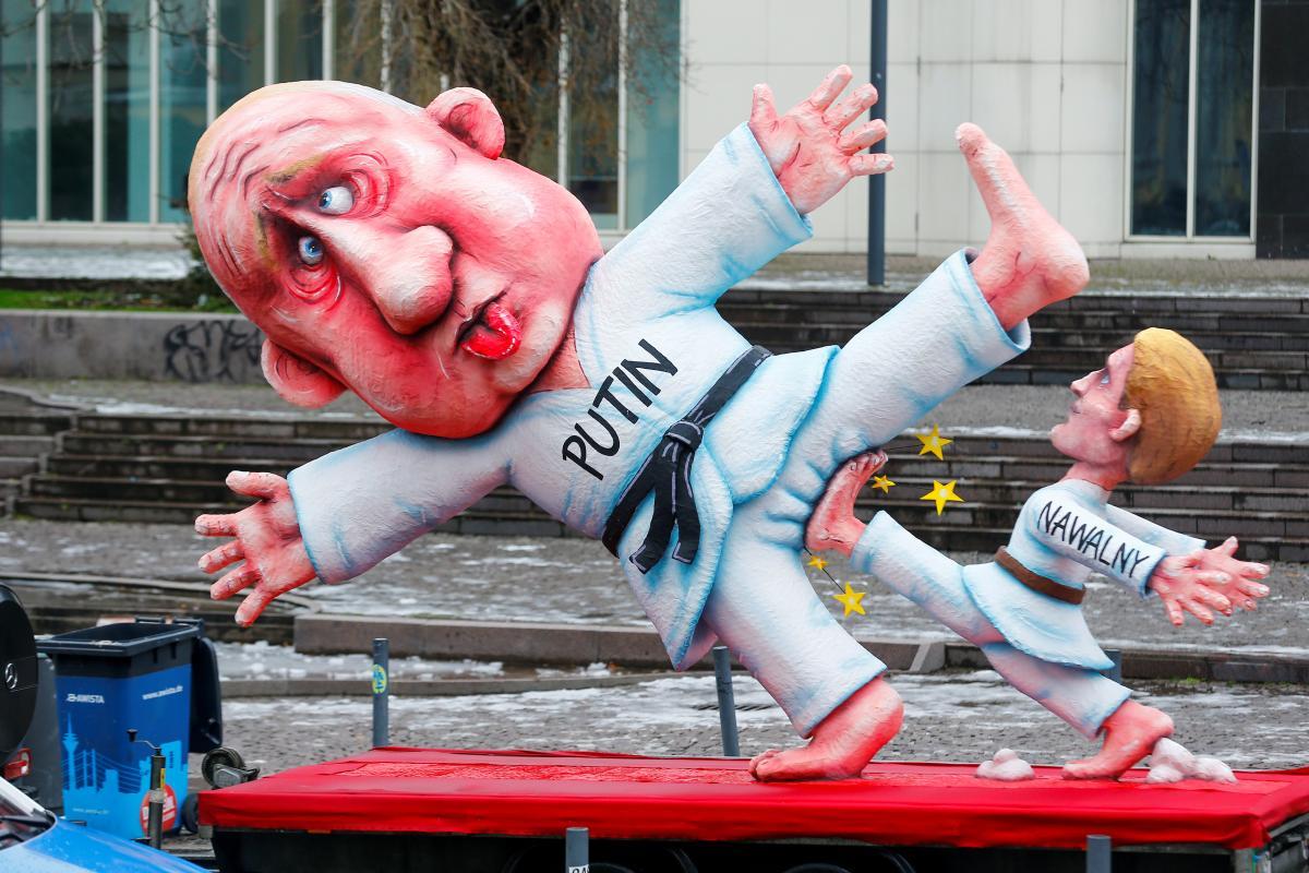 Коронавирус, церковь и смена мировых лидеров: что высмеивают немцы под конец безлюдного карнавального сезона