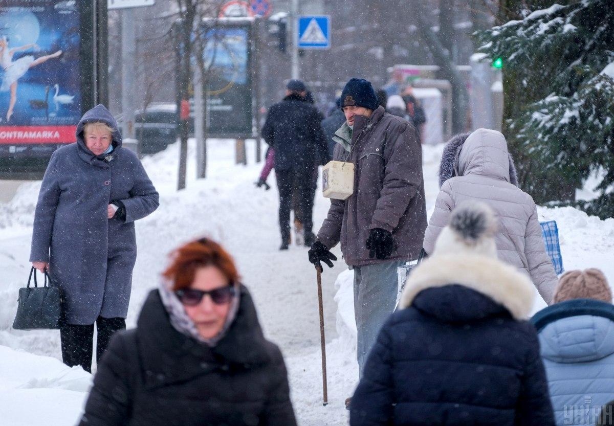 Один из самых высоких показателей за месяц: в Украине COVID-19 опять подтвердили у более 6 тысяч граждан