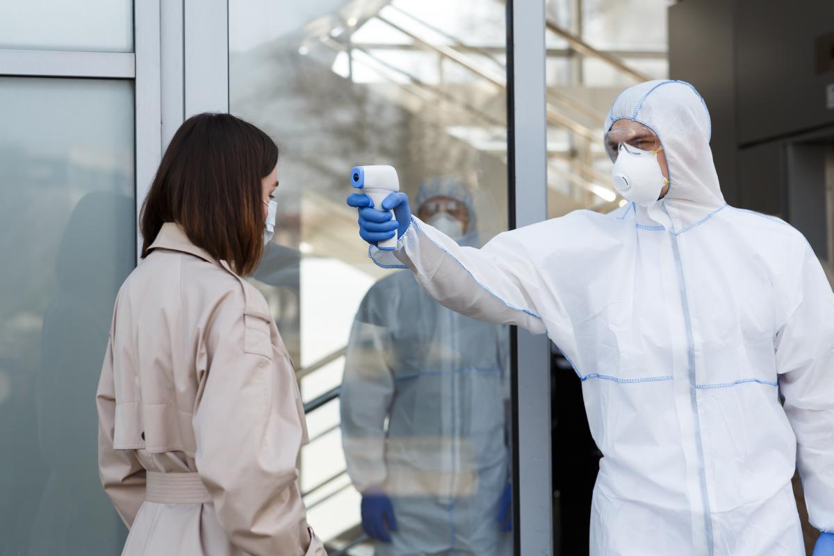 Американские ученые рассказали о возможных опасностях трех новых штаммов коронавируса