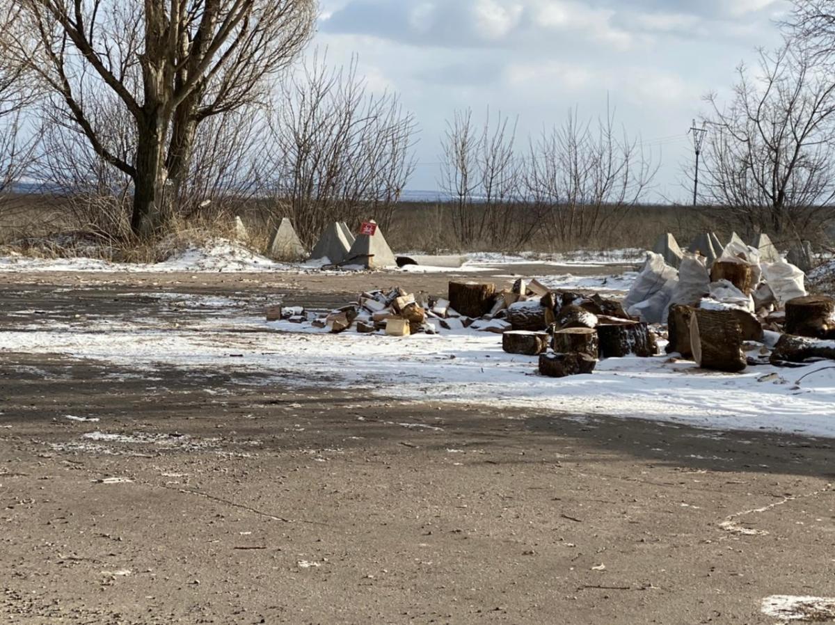 Подрыв на мине трех бойцов возле Новолуганского: экс-военному объявили о подозрении