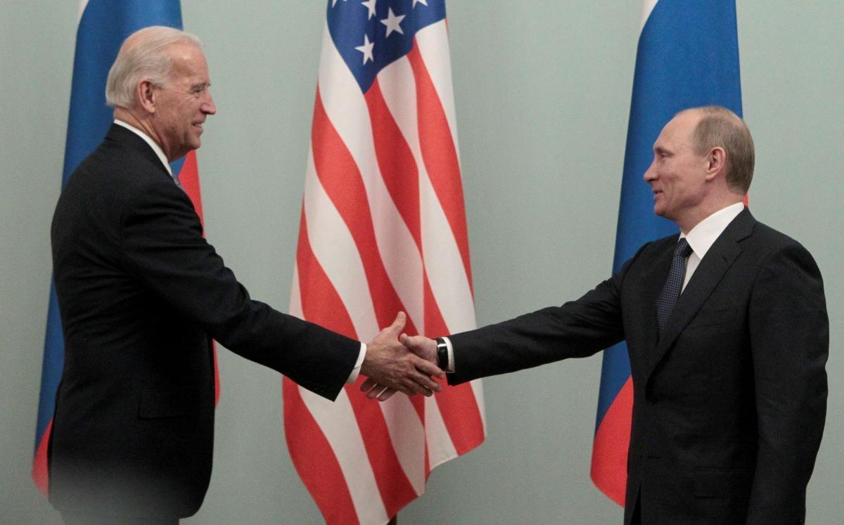 Зеленский не хочет, чтобы Байден и Путин говорили об Украине без него