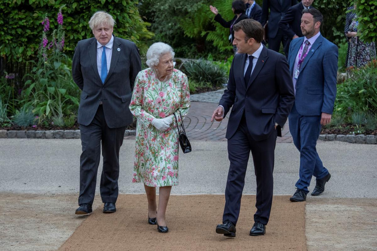 Королева Елизавета II встретилась с лидерами G7