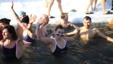 «Пьяны без алкоголя»: как люди становятся моржами