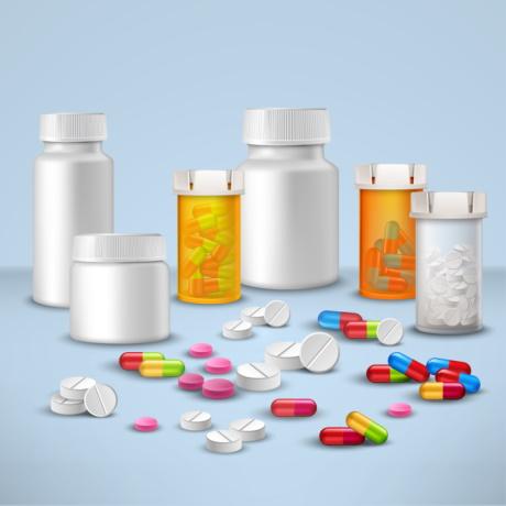 Препараты по высокозатратным нозологиями, АРВ, противотуберкулезные и вакцины для прививок НКПП будет распределять специальный Федеральный центр