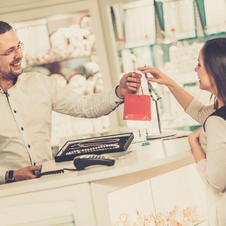 Выдача подарки за бонусы по программе лояльности – применение ККТ обязательно