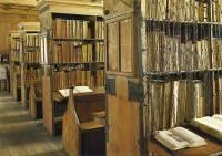 В Петербурге из архива исчез фрагмент печати западноевропейской грамоты XII века