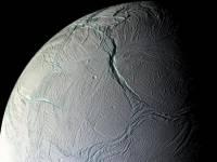 Ученые обнаружили на спутнике Сатурна океан с бурными течениями