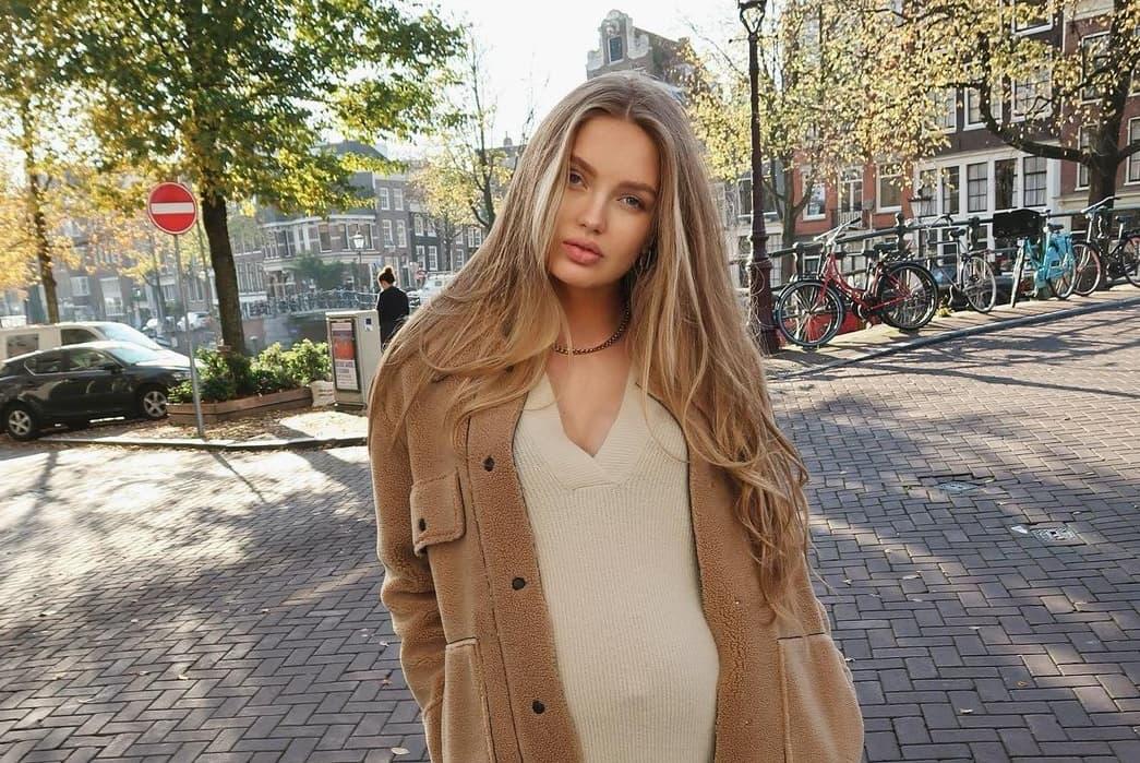 «Ангел» Victoria's Secret Роми Стрейд впервые стала мамой