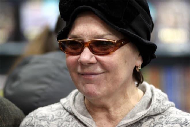 Лариса Голубкина госпитализирована с переломом шейки бедра