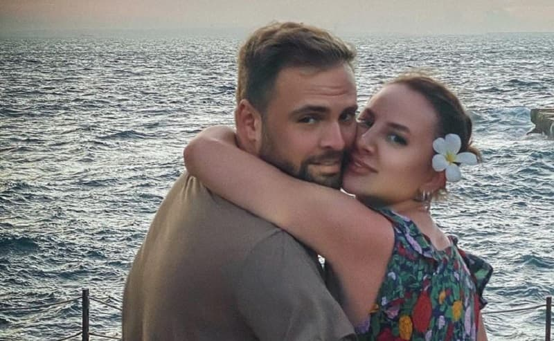 Солистка группы Artik & Asti Анна Дзюба вышла замуж