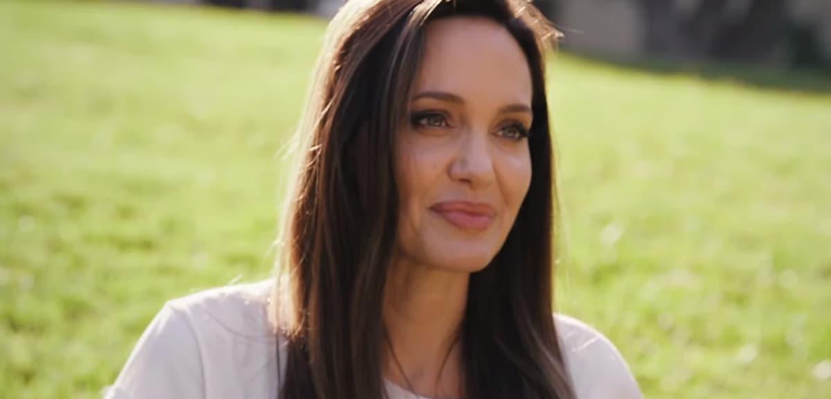 Анджелина Джоли признала, что она неидеальная мать