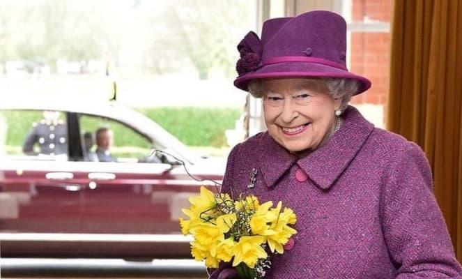 Елизавета II намерена помириться с Меган Маркл и принцем Гарри