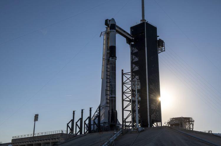 SpaceX осуществила запуск корабля Dragon с грузом для МКС на борту