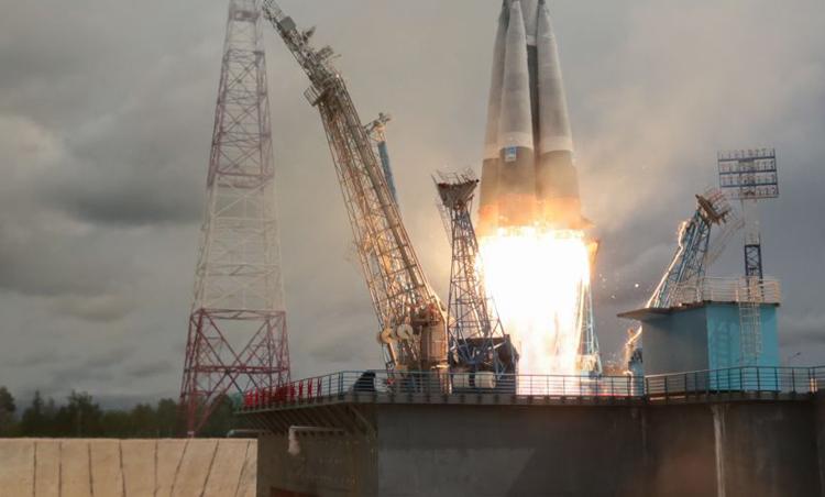 Изготовлен полномасштабный макет двигателя для новой российской ракеты «Союз-5»