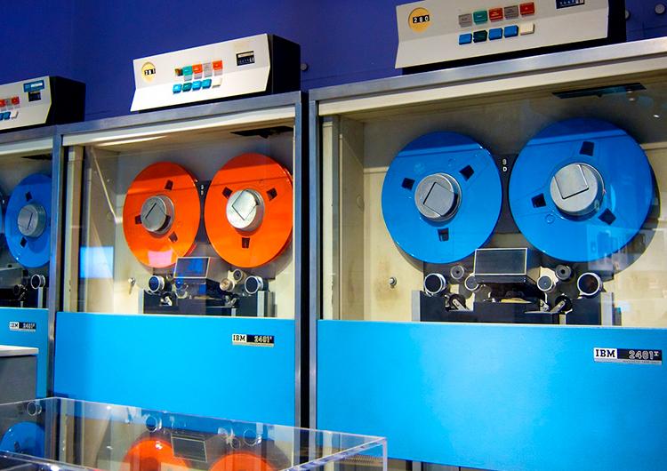 IBM и Fujifilm создали накопитель на 580 Тбайт, и это — больше 1,2 км магнитной ленты