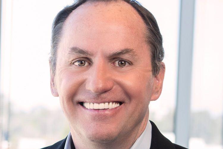 Под главой Intel Робертом Своном зашаталось кресло