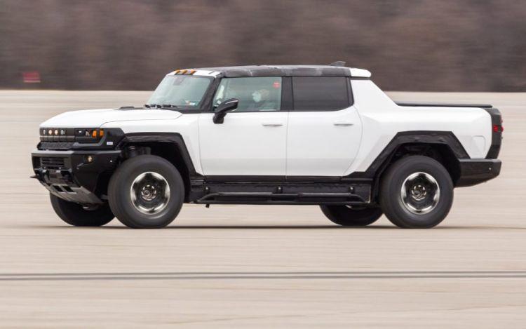 На первую партию электрических пикапов Hummer EV было оформлено более 10 тыс. предзаказов