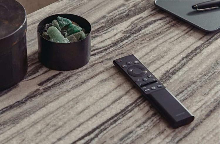 Samsung представила ТВ-пульт без традиционных батареек, но с солнечной батареей