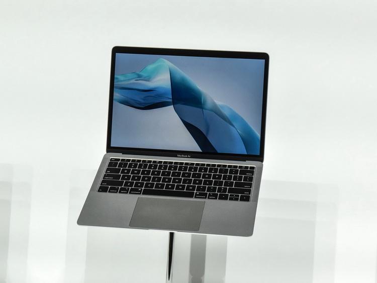 Apple сделает будущий MacBook Air ещё тоньше и вернёт ему магнитную зарядку MagSafe