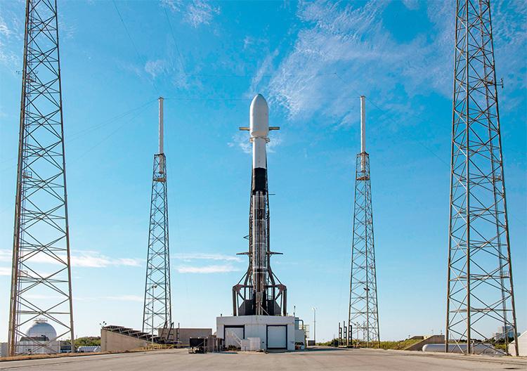 Новый пуск и рекорд: в январе SpaceX вывела на орбиту больше спутников, чем всё человечество в любой год до 2013-го