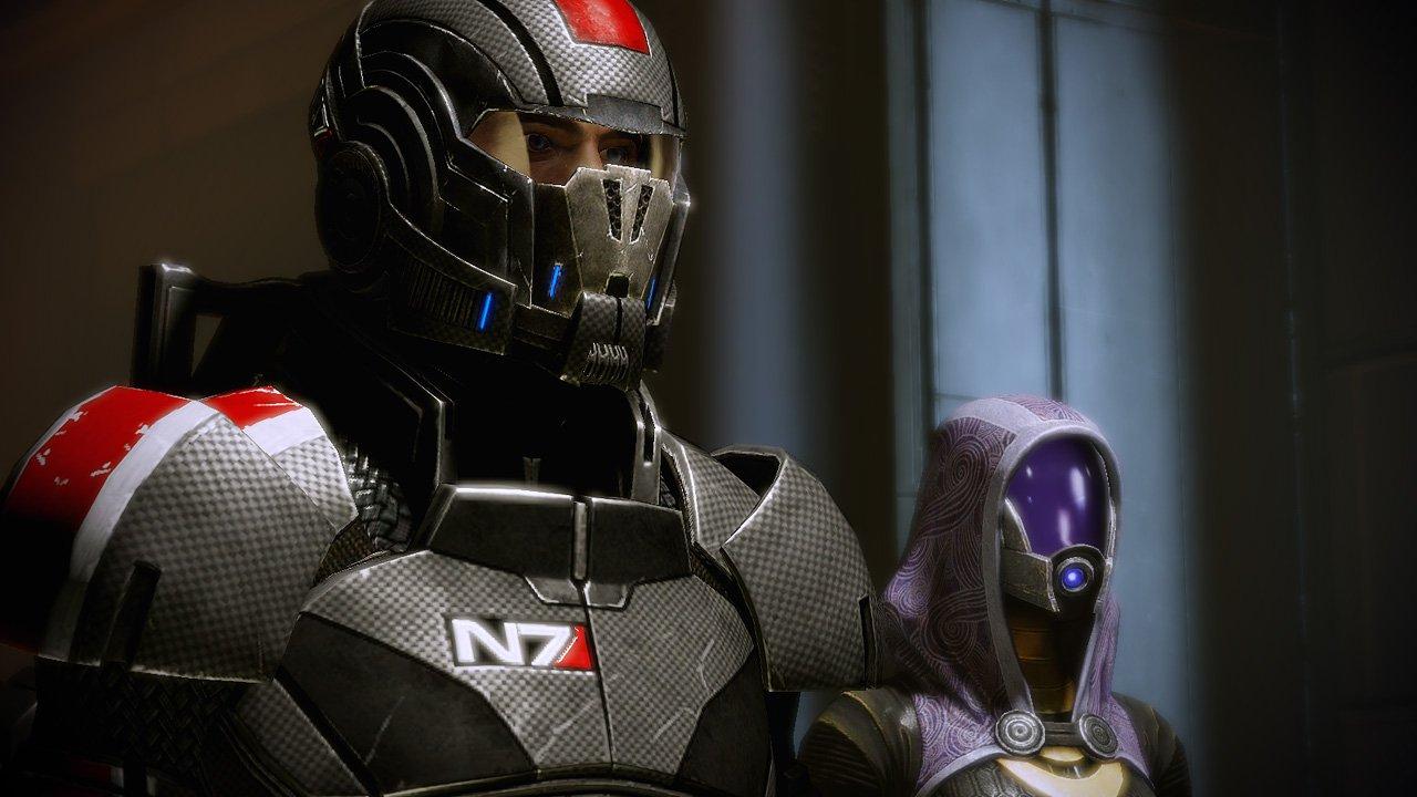 BioWare представила коллекционное издание Mass Effect Legendary Edition — с полноразмерным шлемом, но без игр