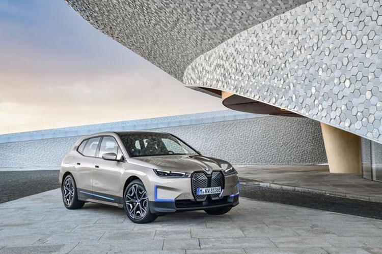 BMW первой в мире начнёт использовать алюминий, произведенный с помощью солнечной энергии