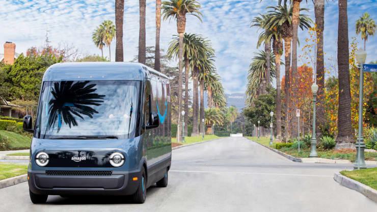 Amazon начала тестировать электрические фургоны доставки Rivian в Лос-Анджелесе