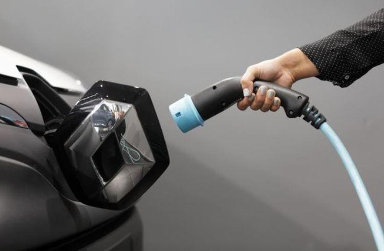 Продажи электрических и гибридных авто в Евросоюзе перевалили за 1 млн штук в 2020 году