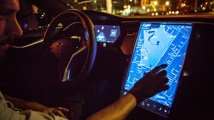 Tesla отзовёт более 36 тысяч электрокаров в Китае из-за отключений сенсорного экрана