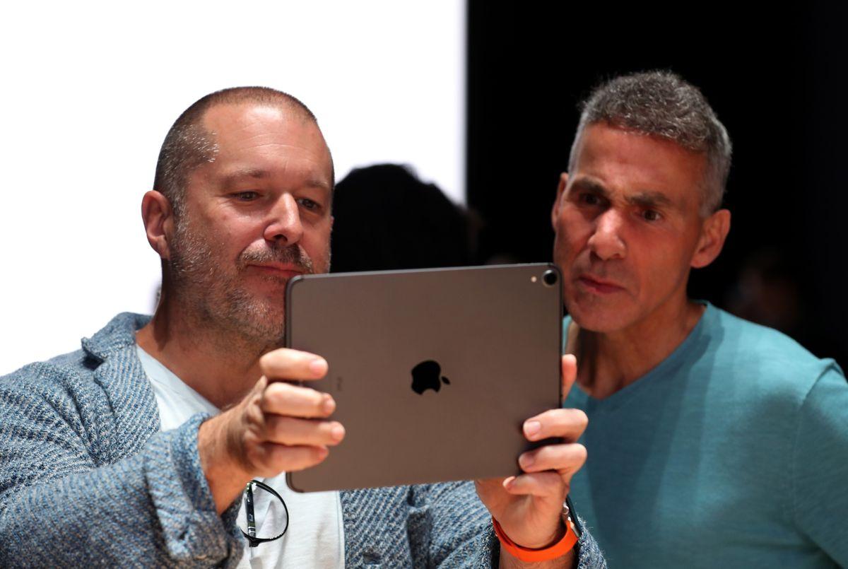 Apple перевела главу отдела аппаратных решений на разработку AR- и VR-устройств