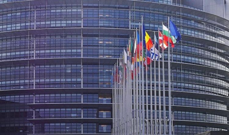 Франция хочет усилить контроль над технологическими компаниями на территории Евросоюза