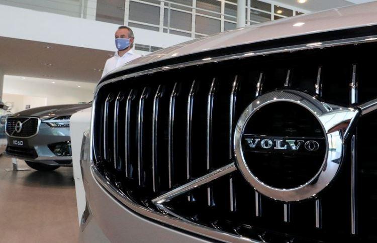 Volvo остановила завод по производству грузовиков из-за нехватки автомобильных чипов