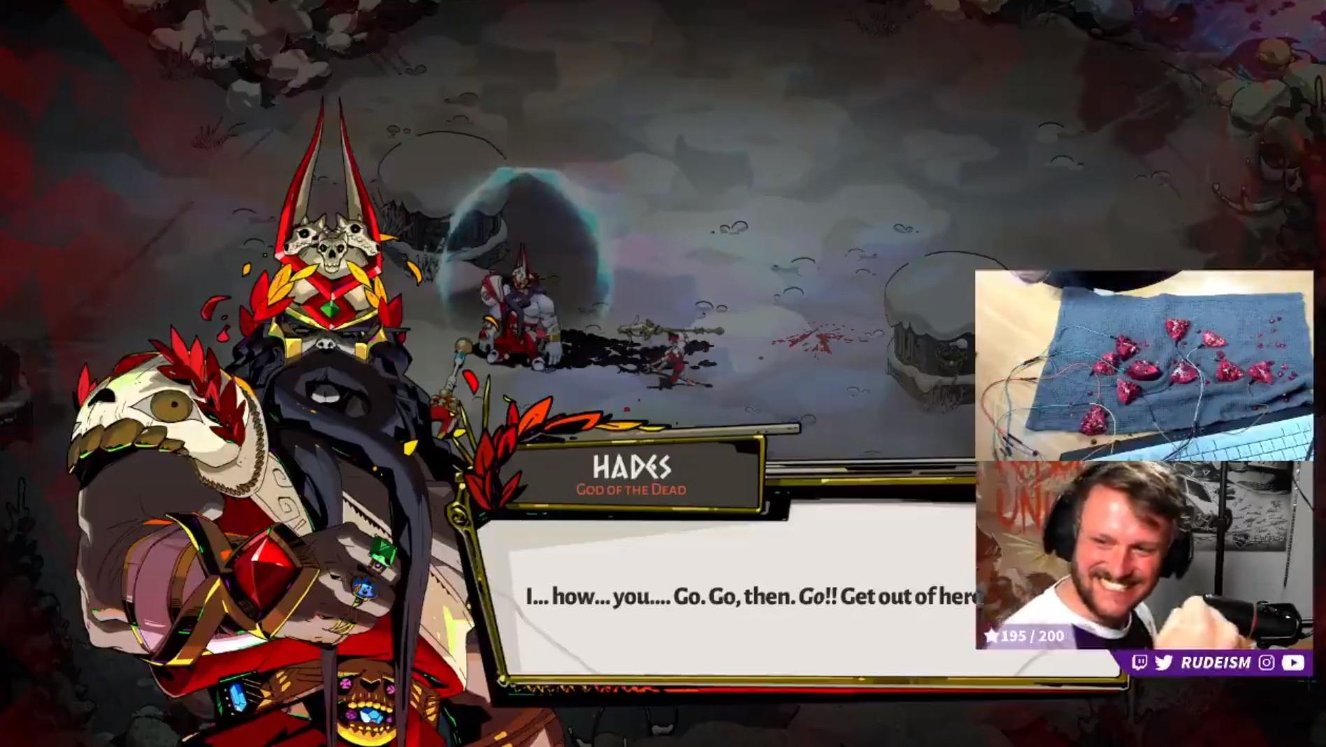 Hades всё-таки покорилась игроку, использовавшему гранат в качестве геймпада