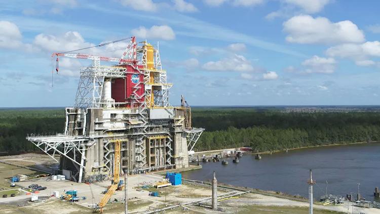 NASA отложило новые испытания ракеты SLS из-за проблемы с клапаном — сроки лунной программы США под угрозой срыва