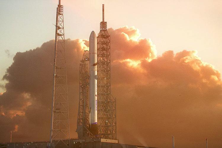 Blue Origin отложила первый запуск тяжёлой многоразовой ракеты New Glenn на конец 2022 года