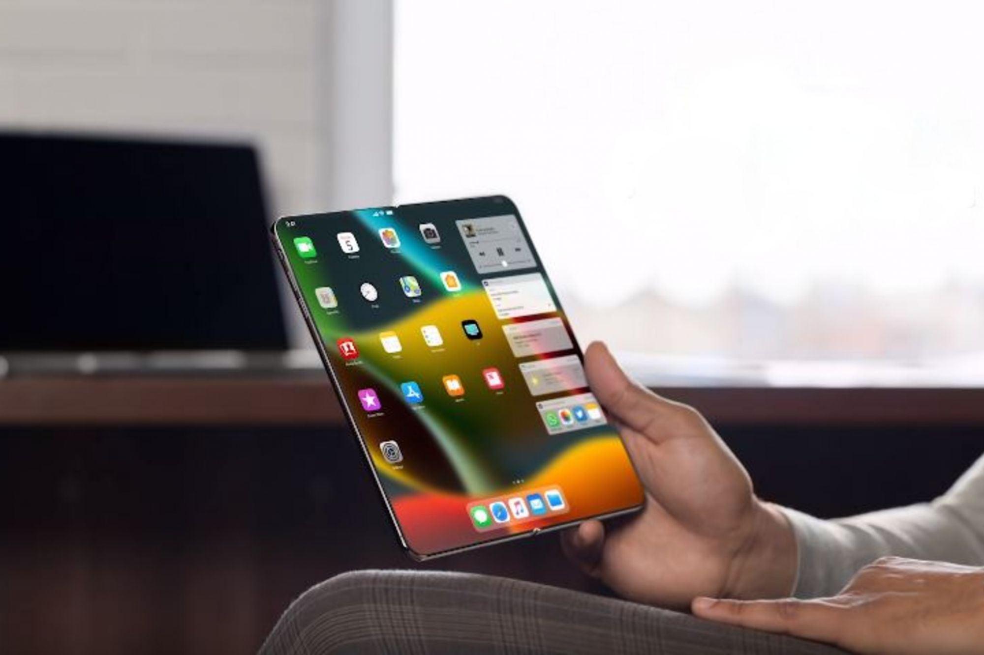 Первый складной iPhone выйдет предположительно в 2023 году. Он будет размером с iPad Mini