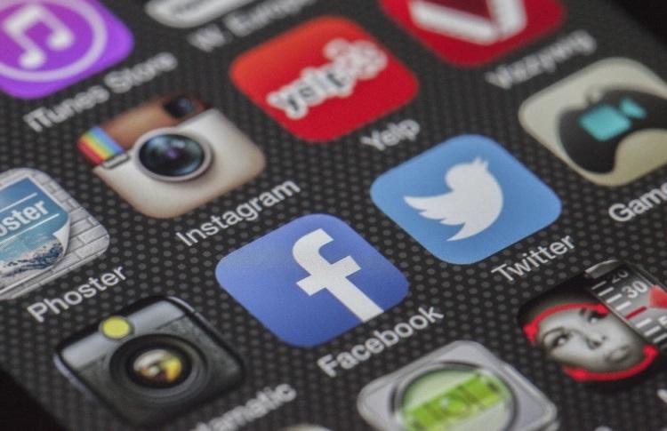 Десятки тысяч приложений для Android и iOS ставят под угрозу пользовательские данные